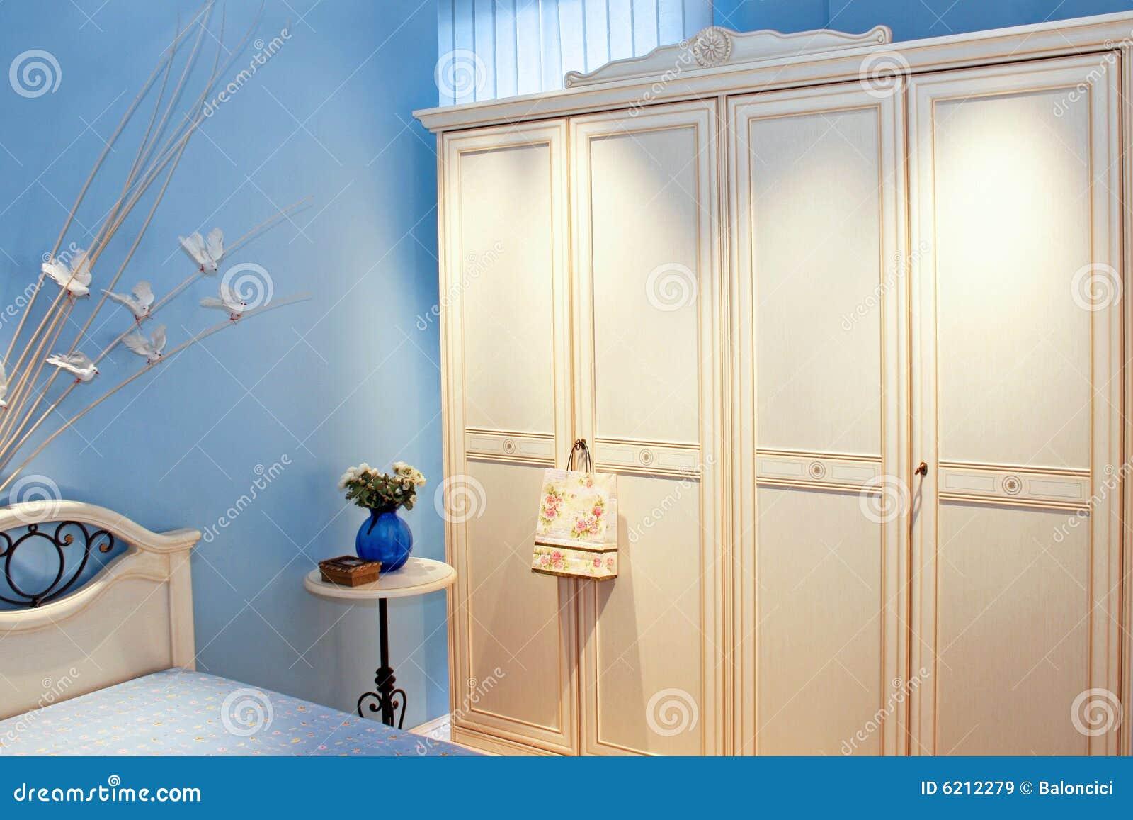 Armadio blu della stanza immagini stock libere da diritti - Armadio stanza da letto ...