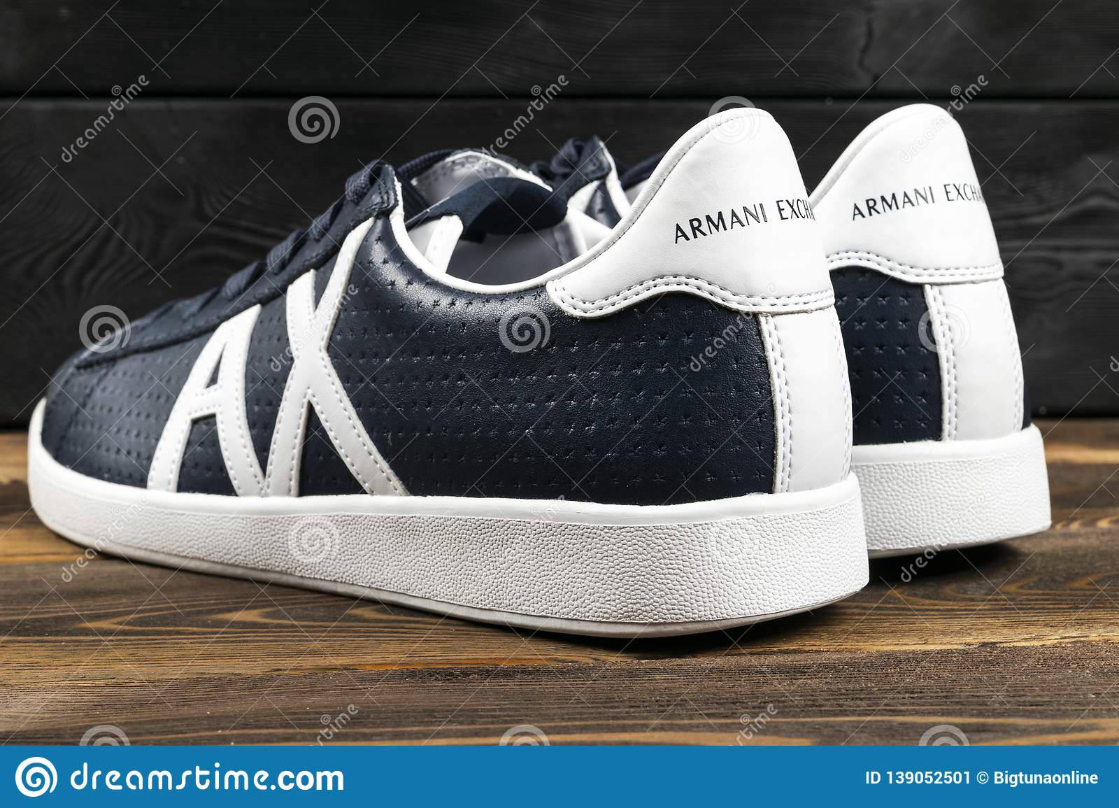 official multiple colors new authentic Armani Exchange Logo On The Modern Leather Sport Shoes ...