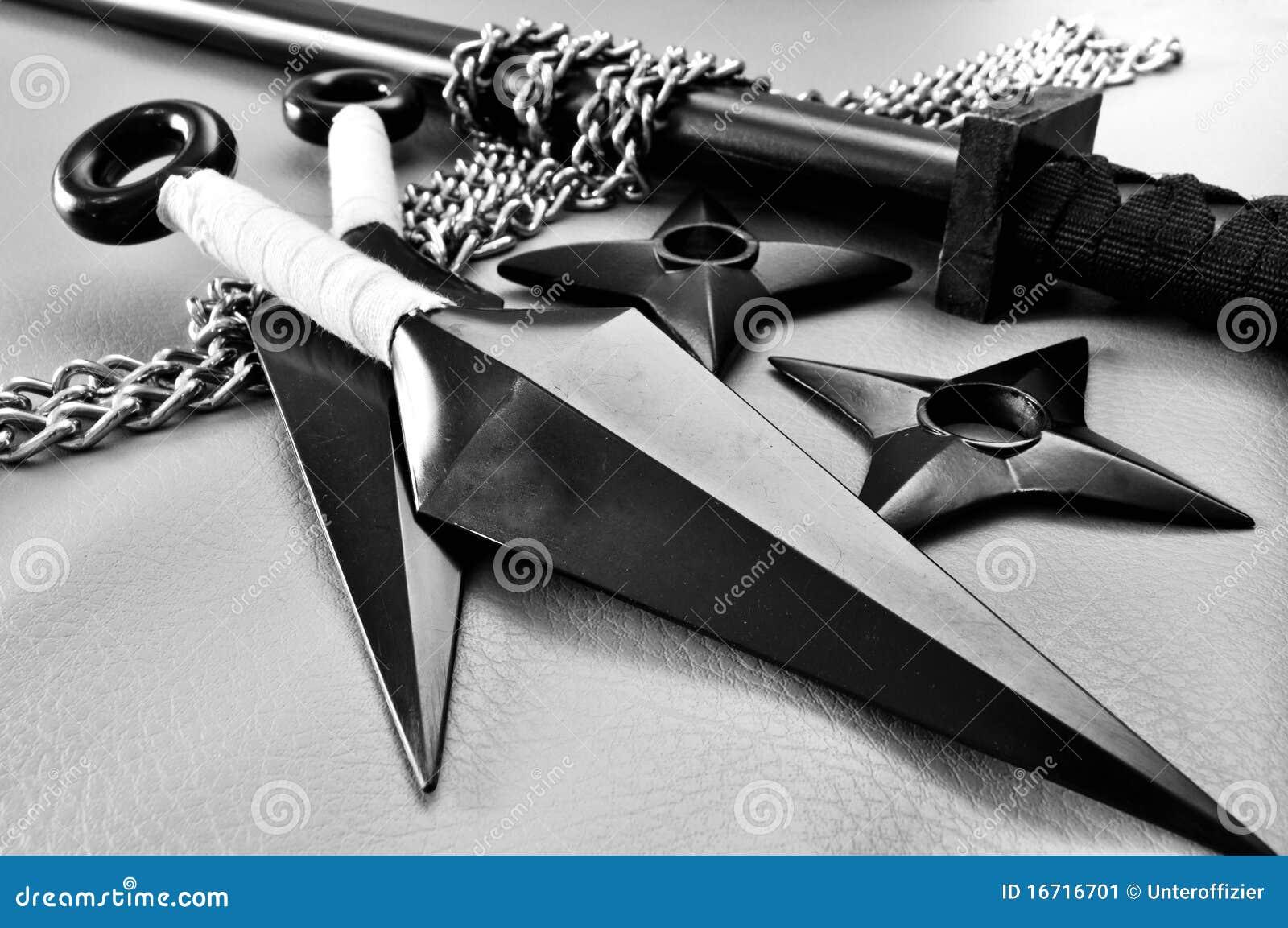 Las pistolas sexuales de cuero negro