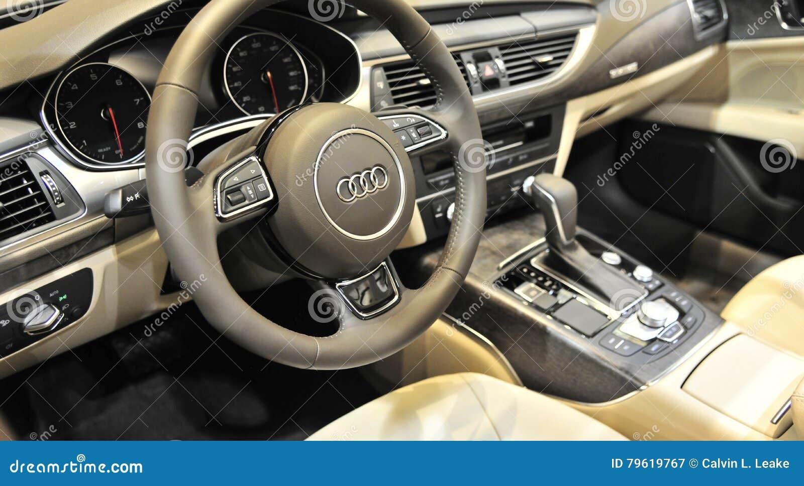 Armaturenbrett audi  Armaturenbrett Von Audi Quattro Sports Car Interior Redaktionelles ...