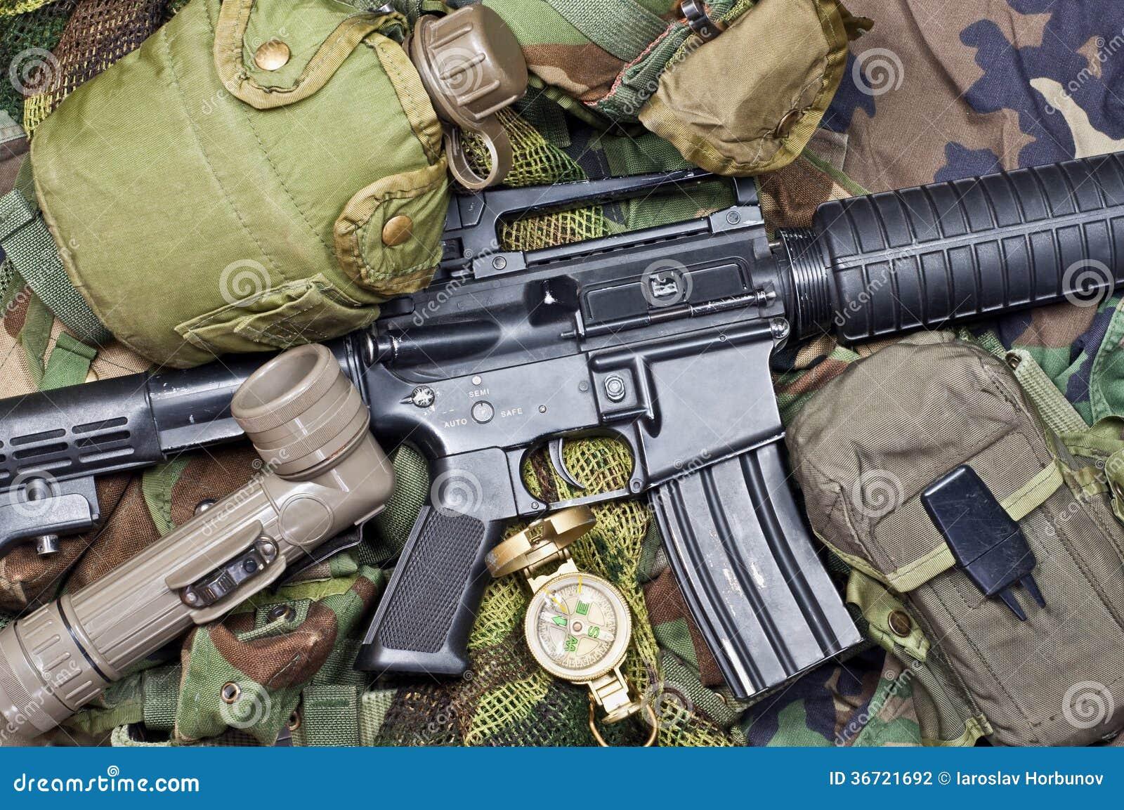 armes et quipement militaire photographie stock image 36721692. Black Bedroom Furniture Sets. Home Design Ideas