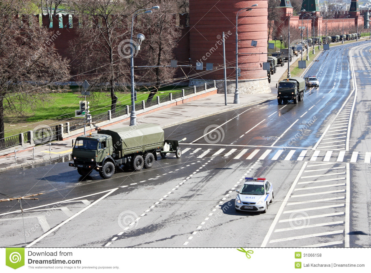 Moscow, russia - may 7, 2013, military armored vehicles, accompanied