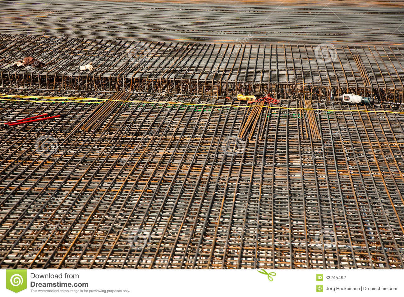 Armoring at the building site to stabilize the fundament made of