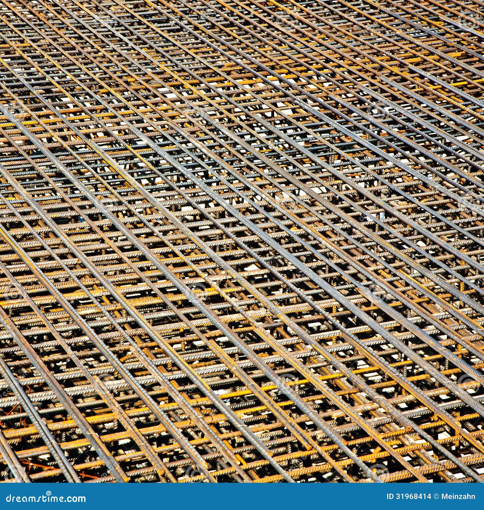 Armoring no terreno de construção para estabilizar o fundament feito de