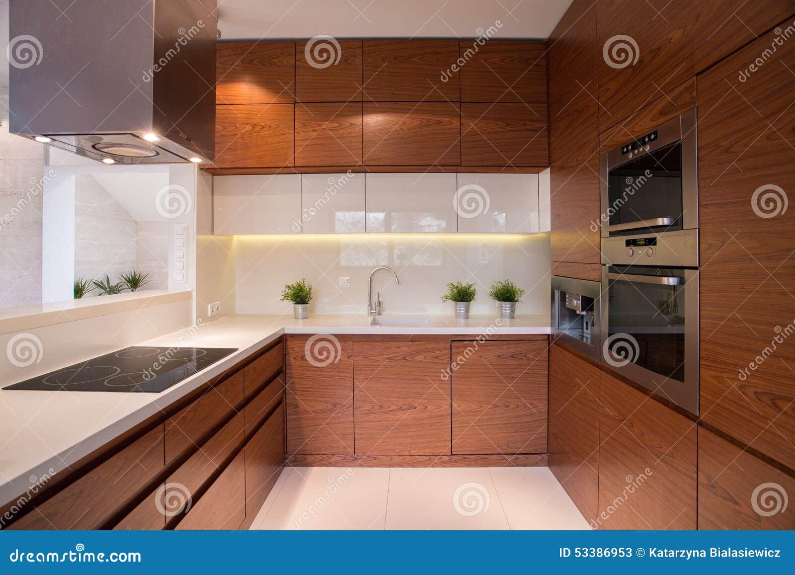 Armário De Cozinha De Madeira Foto de Stock Imagem: 53386953 #85AA21 1300x957