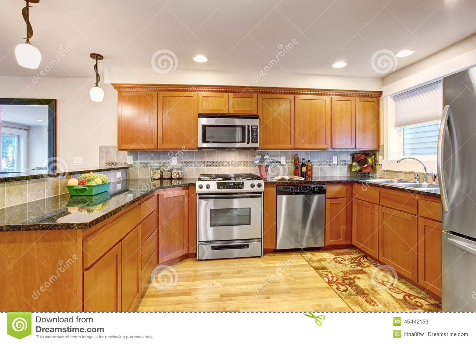 De Cozinha Do Bordo Com Dispositivos E Partes Superiores De Aço Do  #A68825 1300 957
