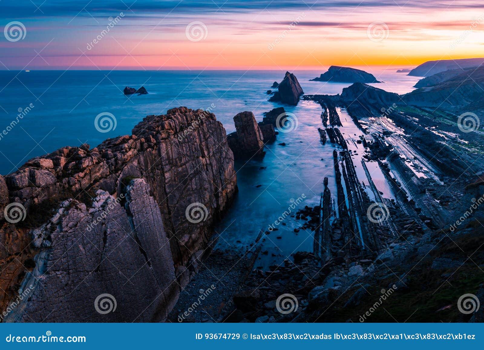 Arnia-Strand, magischer Strand Santander spanien