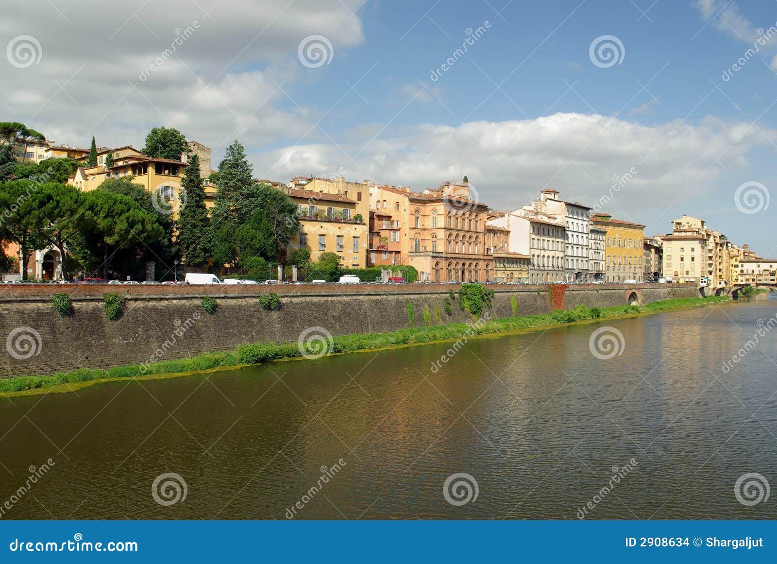 Arno-Fluss, Florenz, Italien