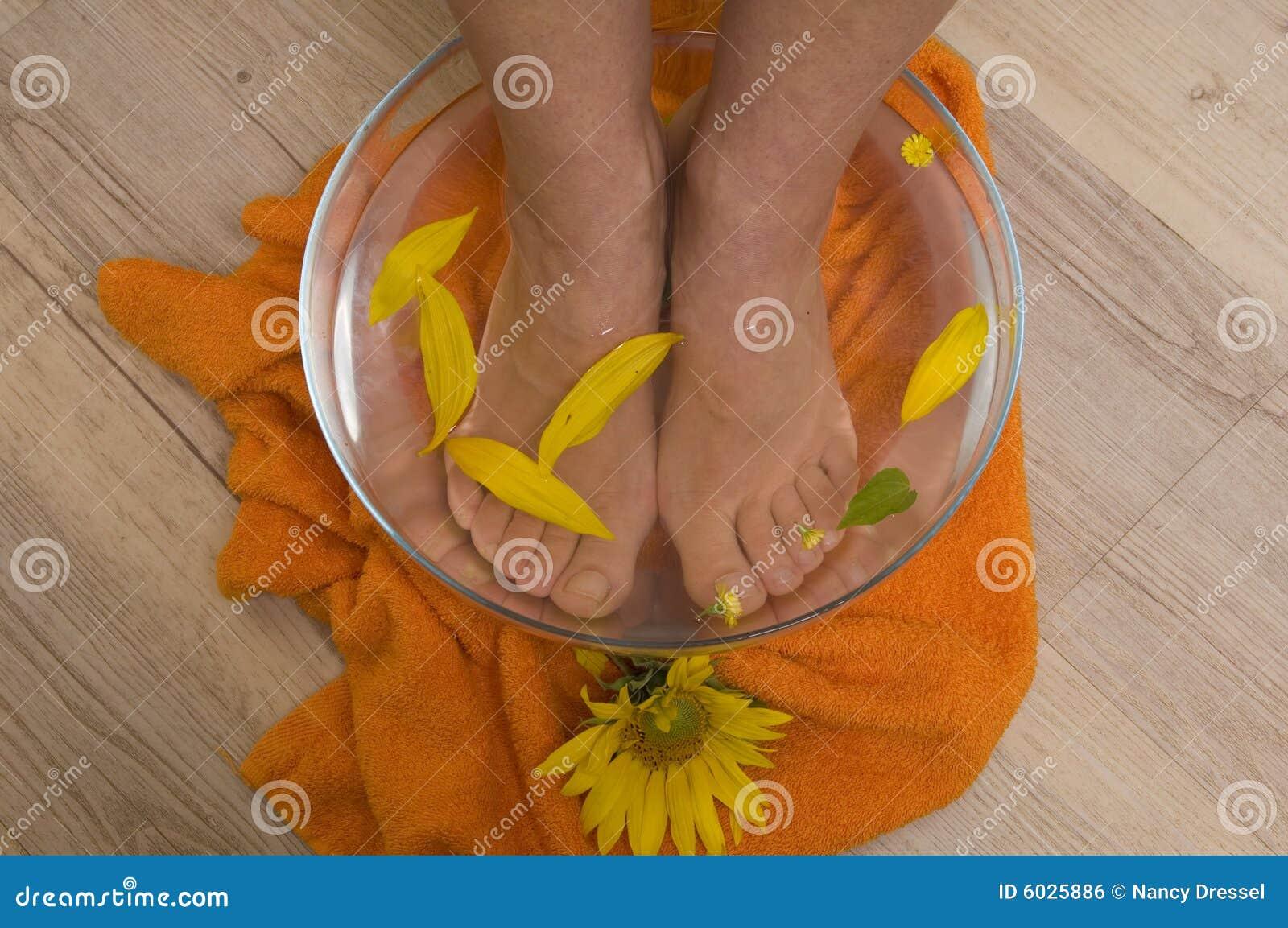 Aromatherapy for feet