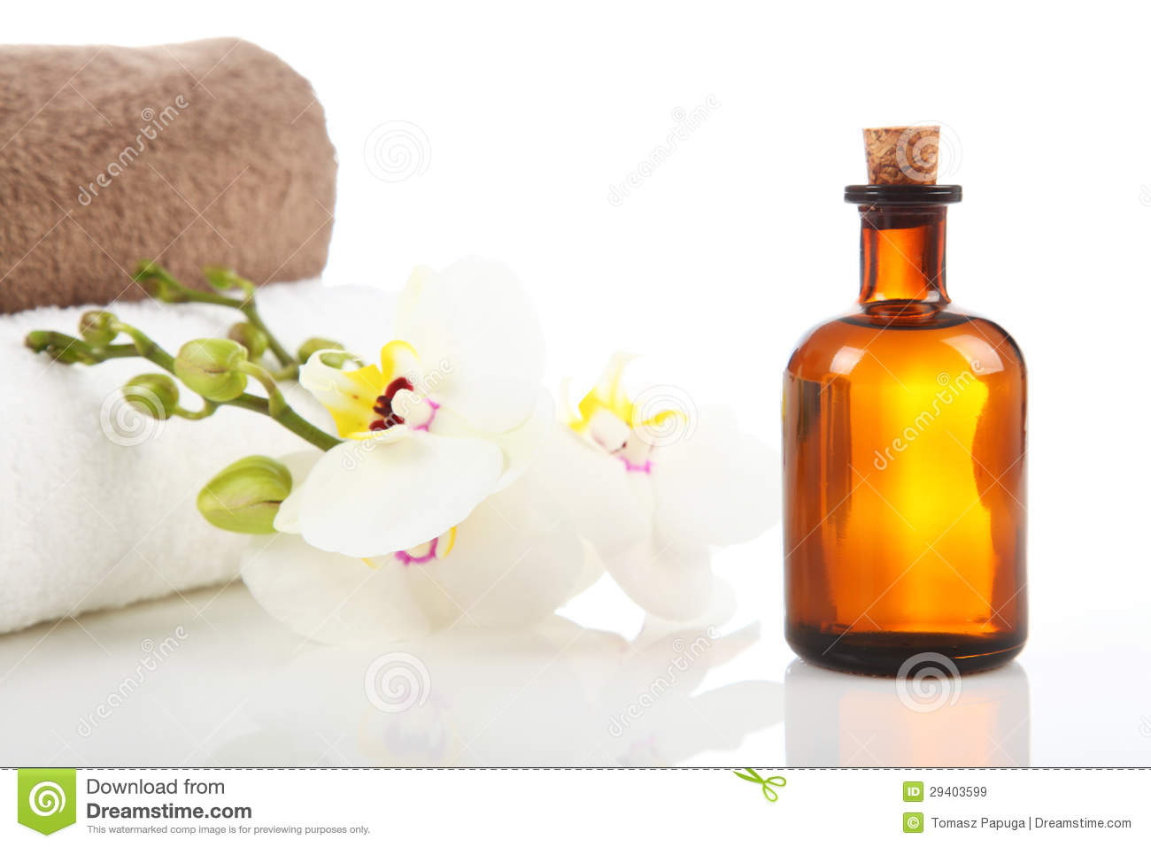 Aromatherapy And Massage Oil Stock Image Image Of Therapist Bottle 29403599