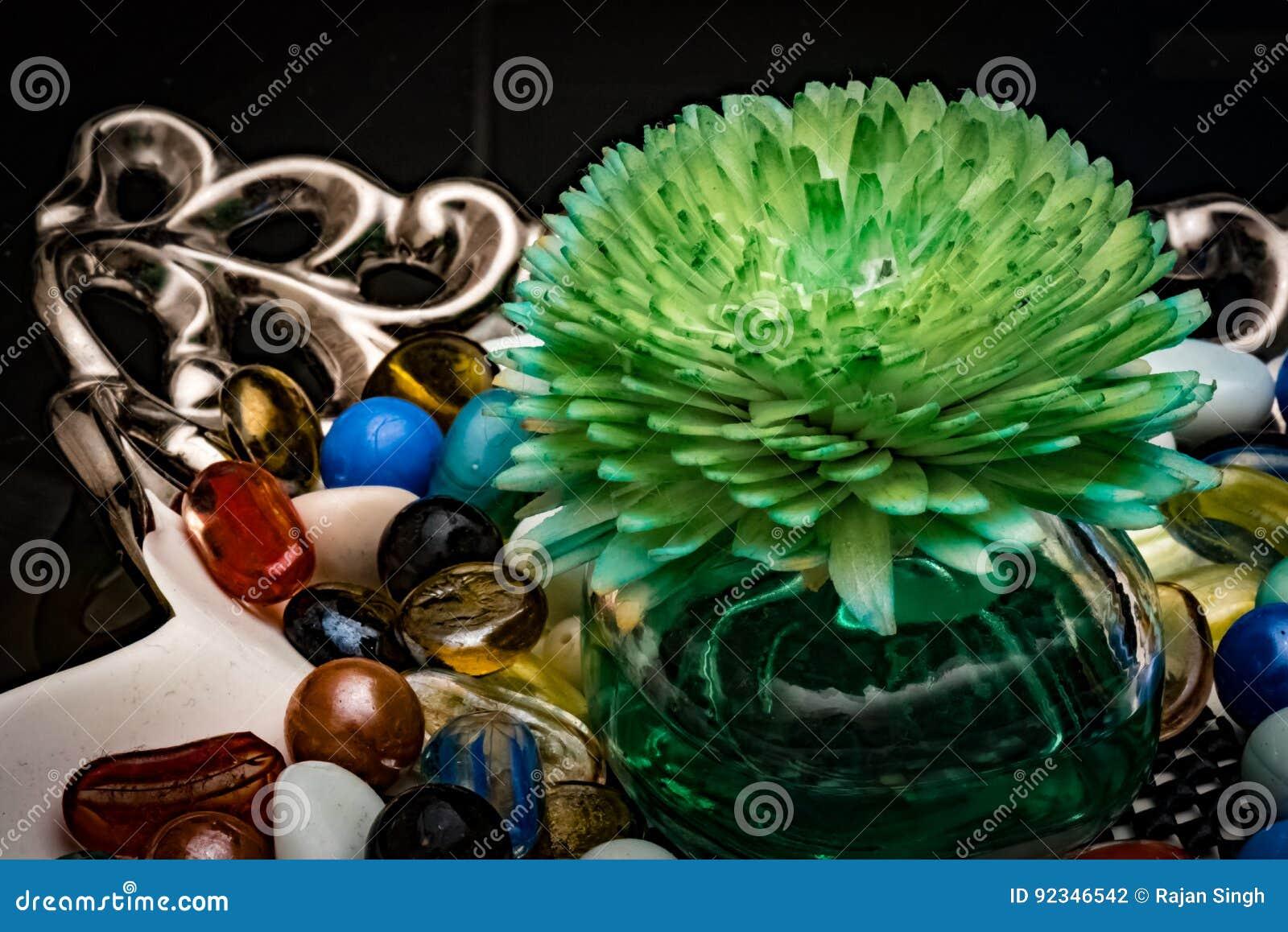 Aromatyczny Lotniczy Purifier W Szklanym pucharze Dekoracyjni kawałki Dla stolik do kawy Z Kolorowymi marmurami
