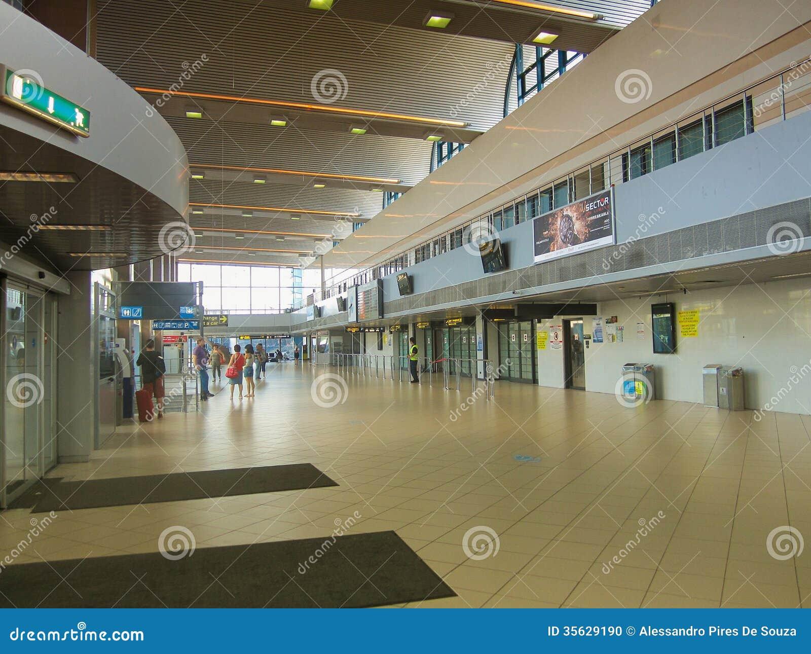 Aroport International Otopeni Bucarest Roumanie Aeroport Iasi