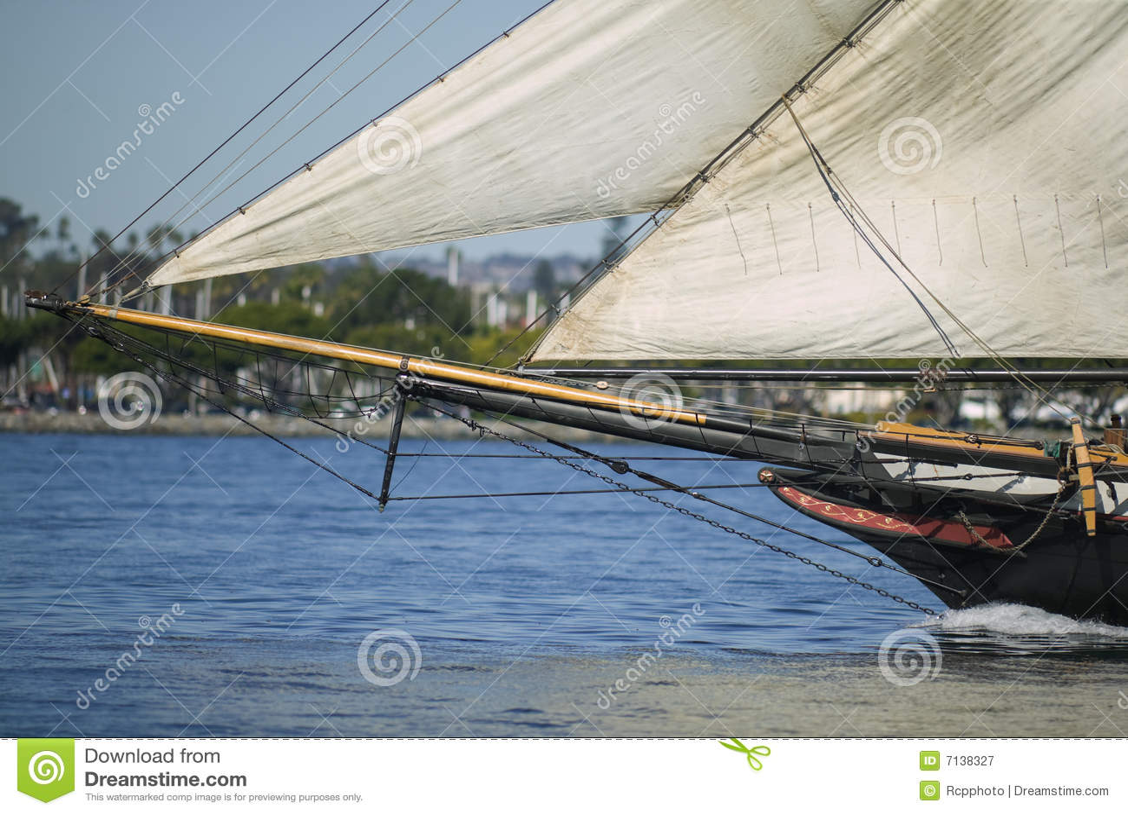 Arqueamiento de un velero