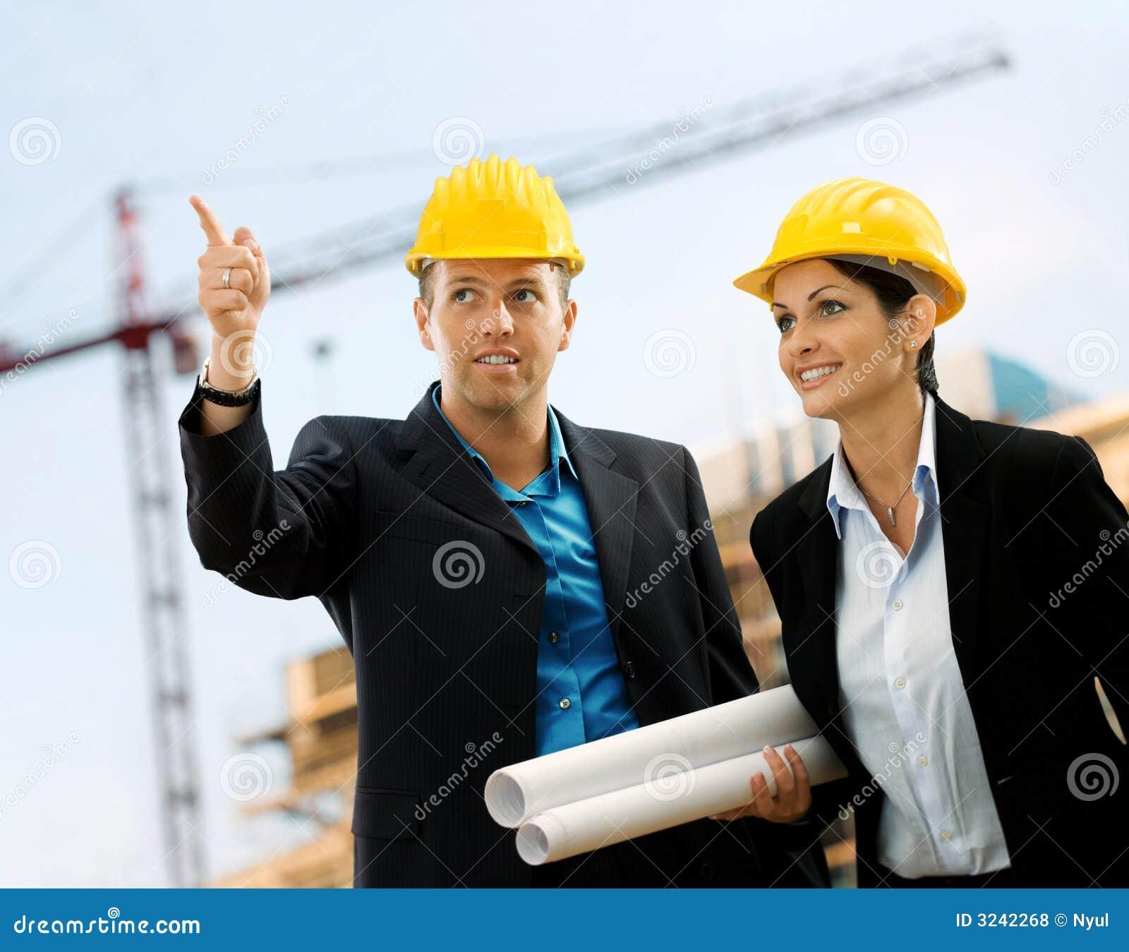 Arquitectos jovenes foto de archivo imagen de for Trabajo de arquitecto