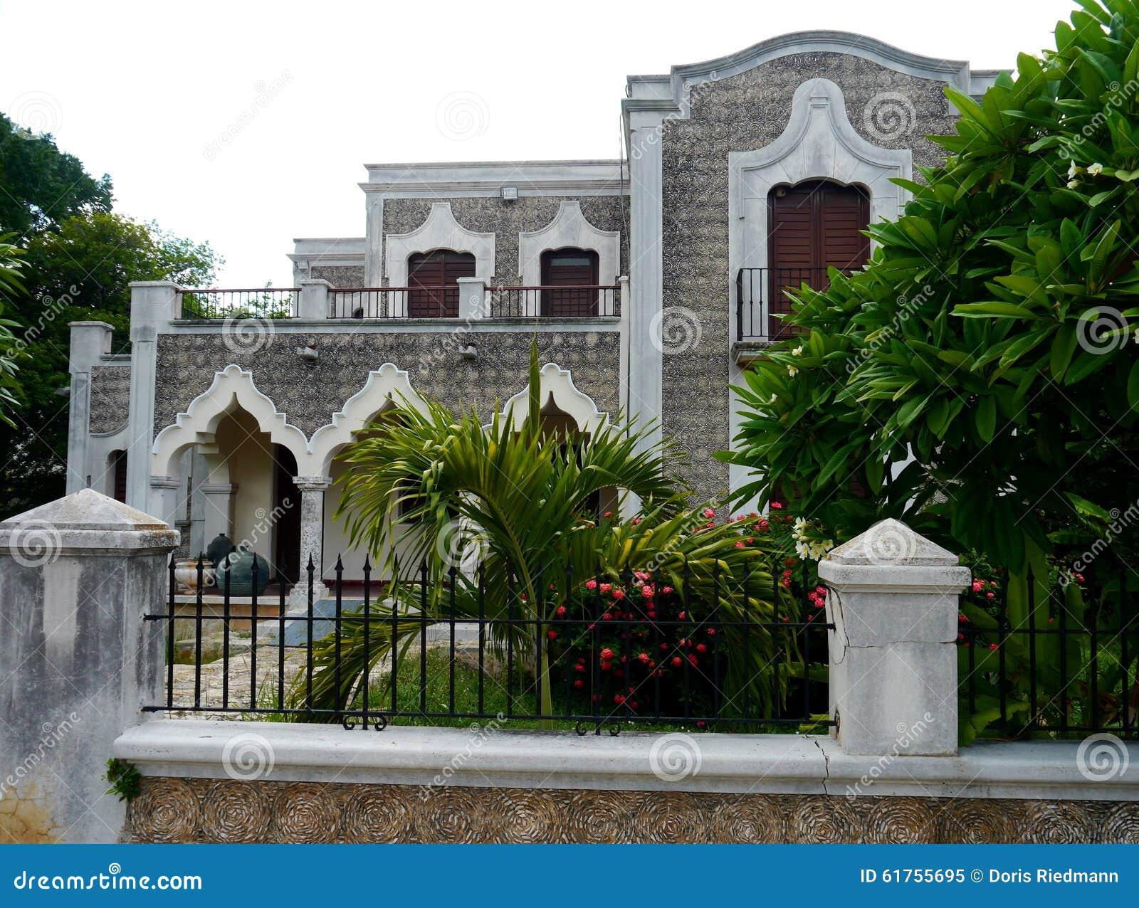 Arquitectura colonial de la casa de merida mexico foto de archivo imagen 61755695 - Foto casa merida ...