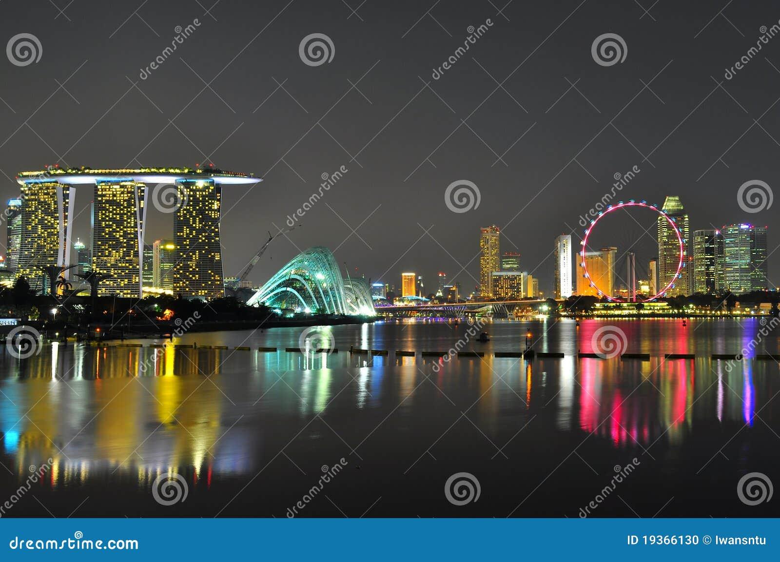 Arquitectura da cidade colorida no louro do porto, Singapore