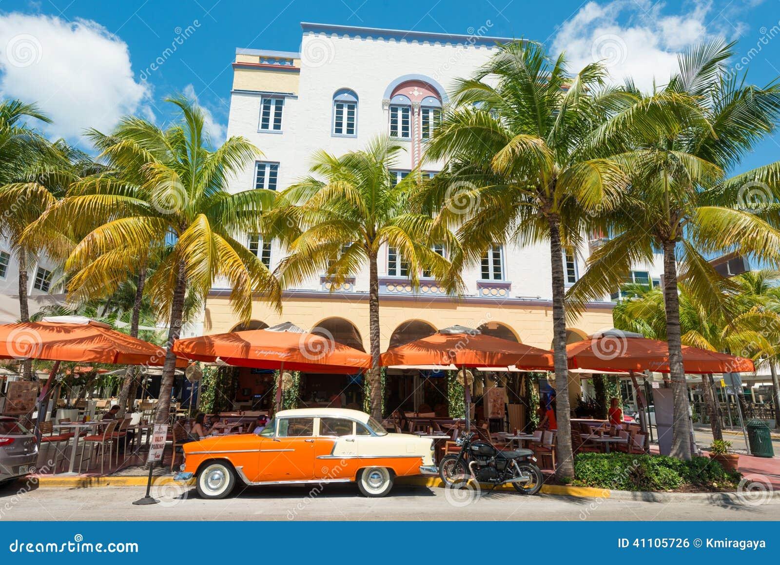 Arquitectura De Art Deco En La Impulsi 243 N Del Oc 233 Ano En La Playa Del Sur Miami Foto Editorial