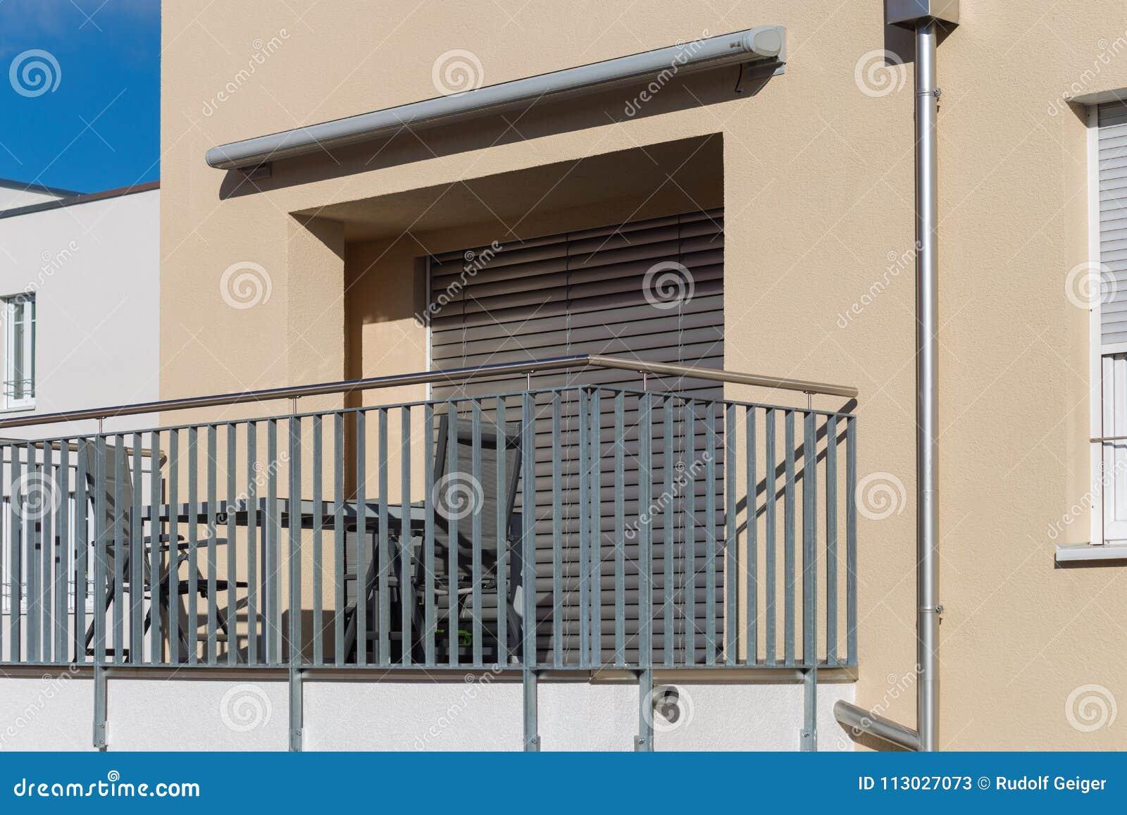 Arquitectura moderna de las fachadas de la ciudad