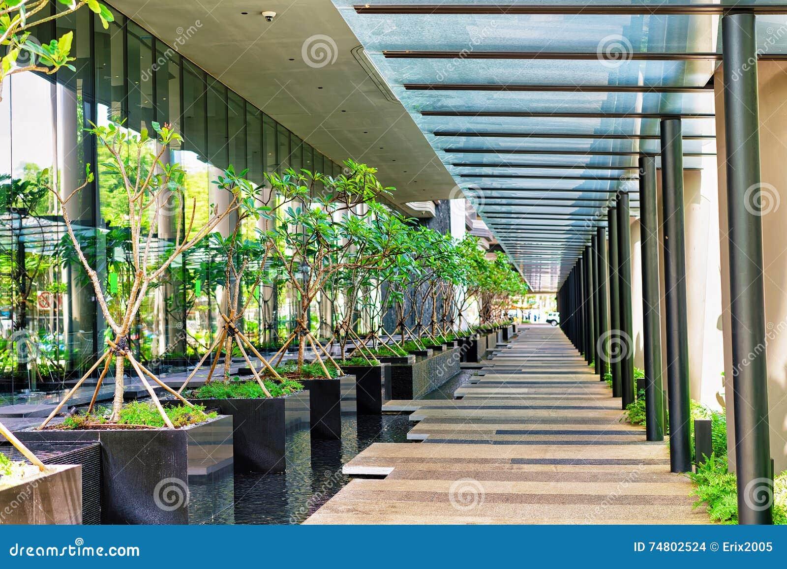 Arquitectura Moderna De Una Terraza Del Edificio En Singapur
