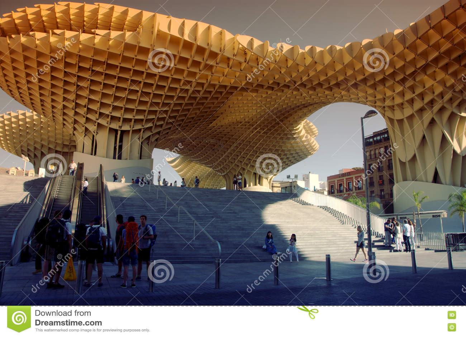 Arquitectura moderna en sevilla fotograf a editorial - Arquitectura sevilla ...