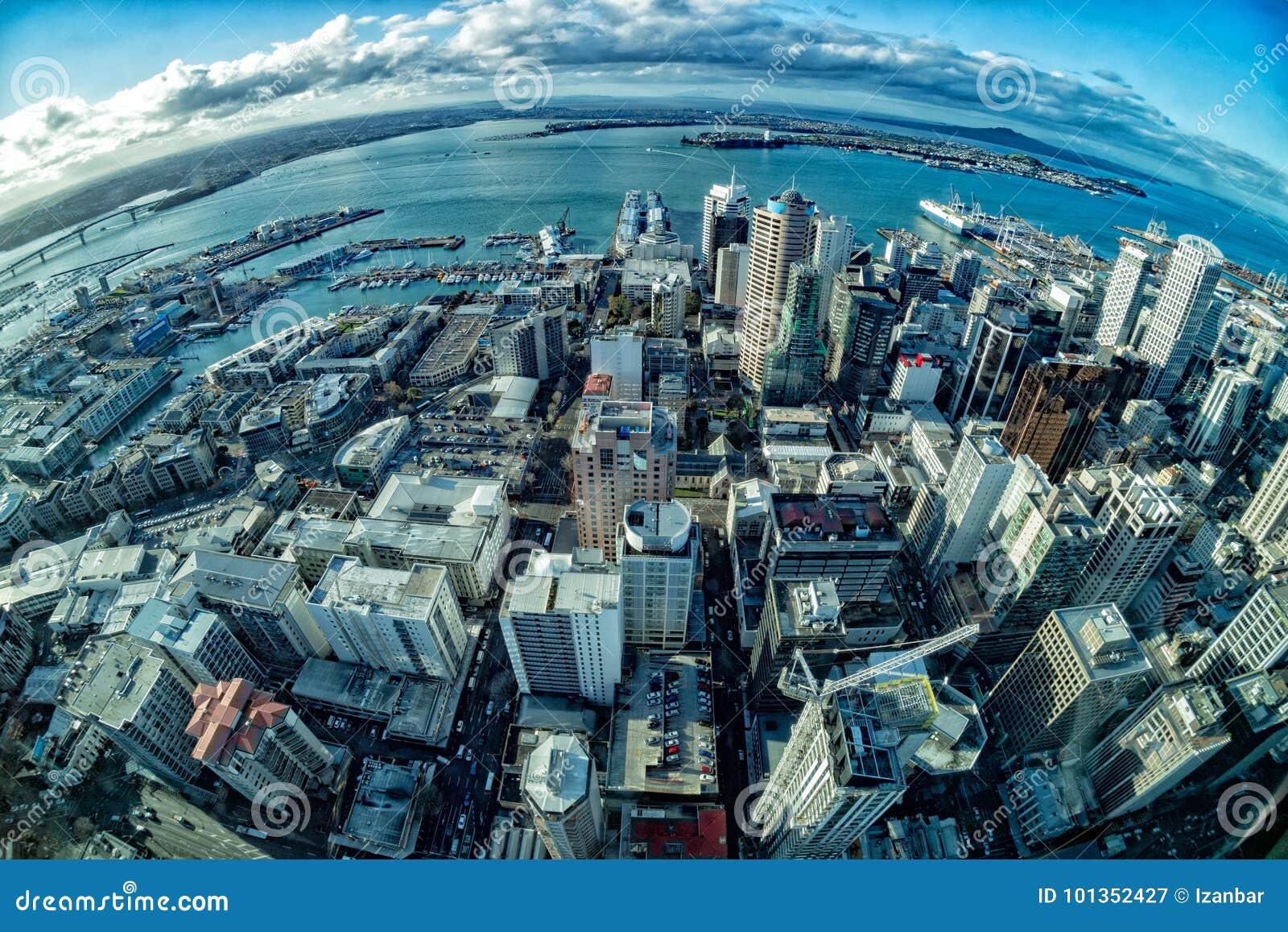 Arquitetura da cidade do panorama da opinião aérea de Auckland Nova Zelândia