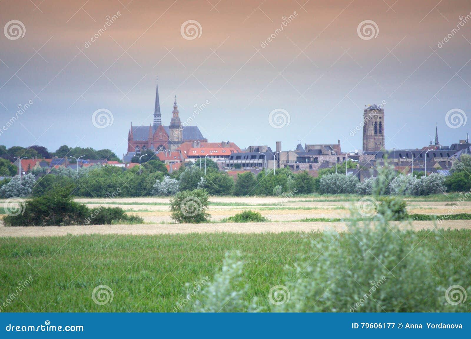 Arquitetura da cidade Flanders Bélgica de Veurne