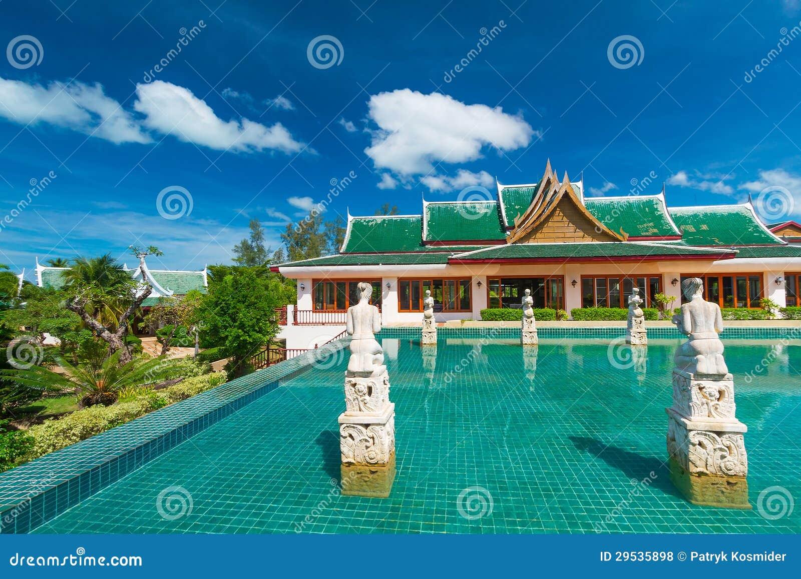 Arquitetura oriental no dia ensolarado