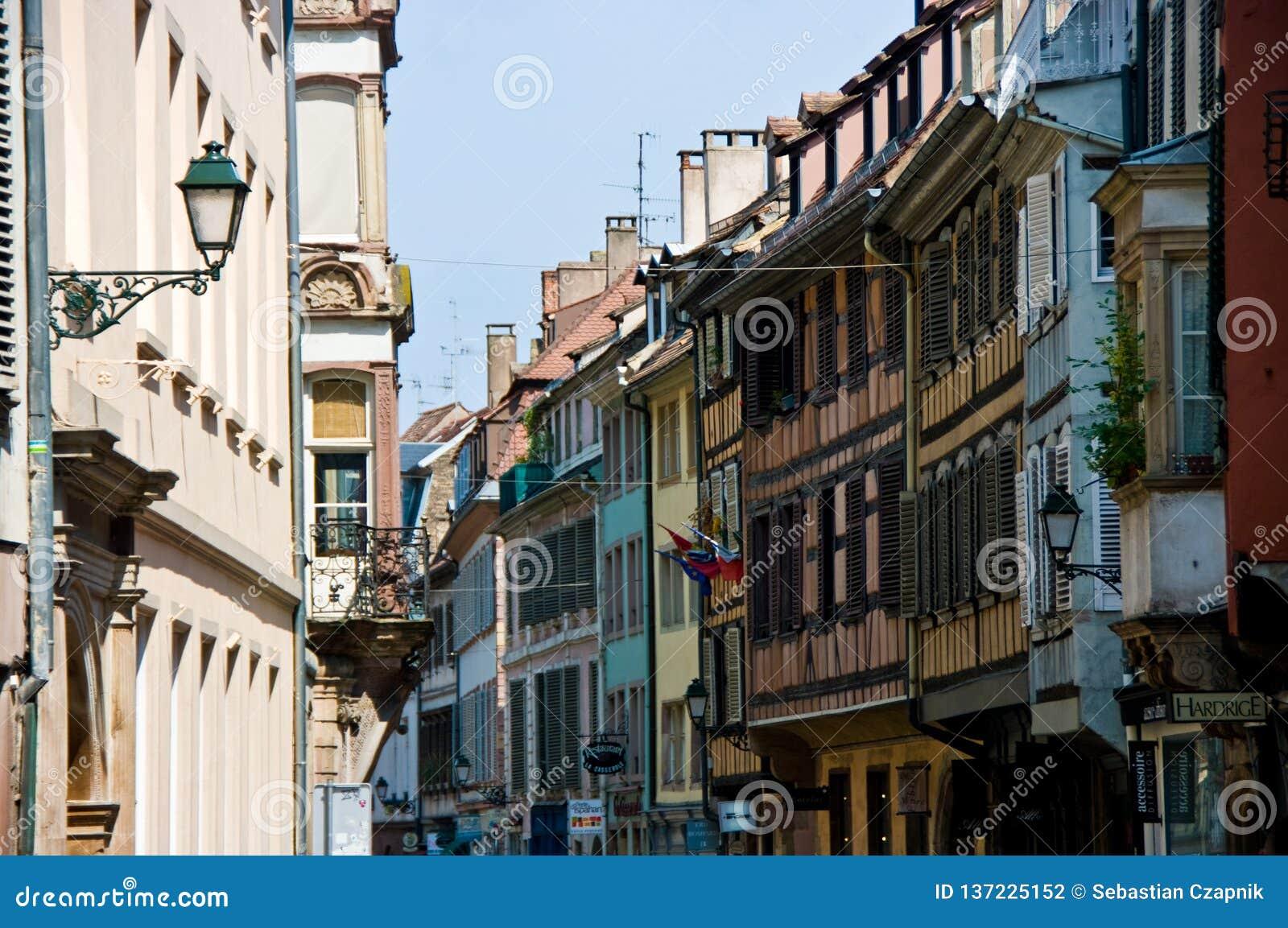 Arquitetura urbana de França Strasborg no verão