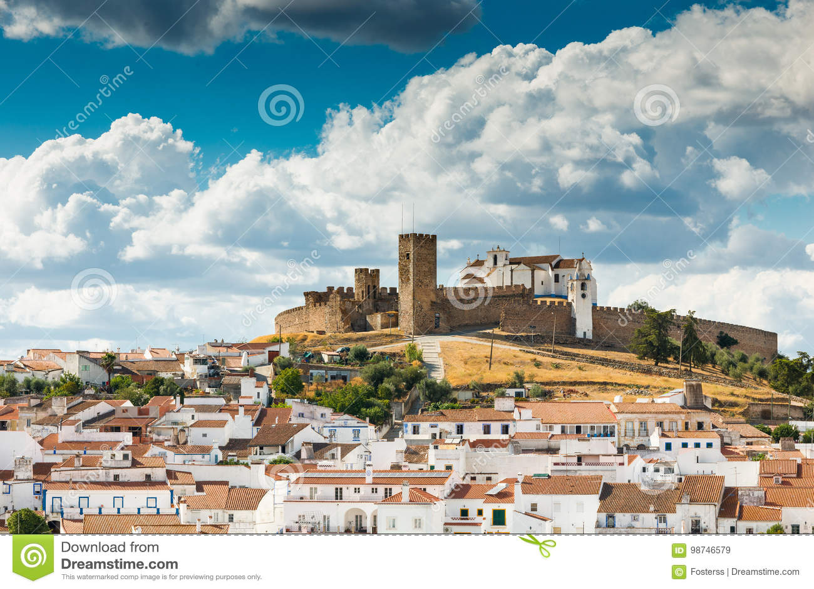 Arraiolos中世纪小山顶城堡