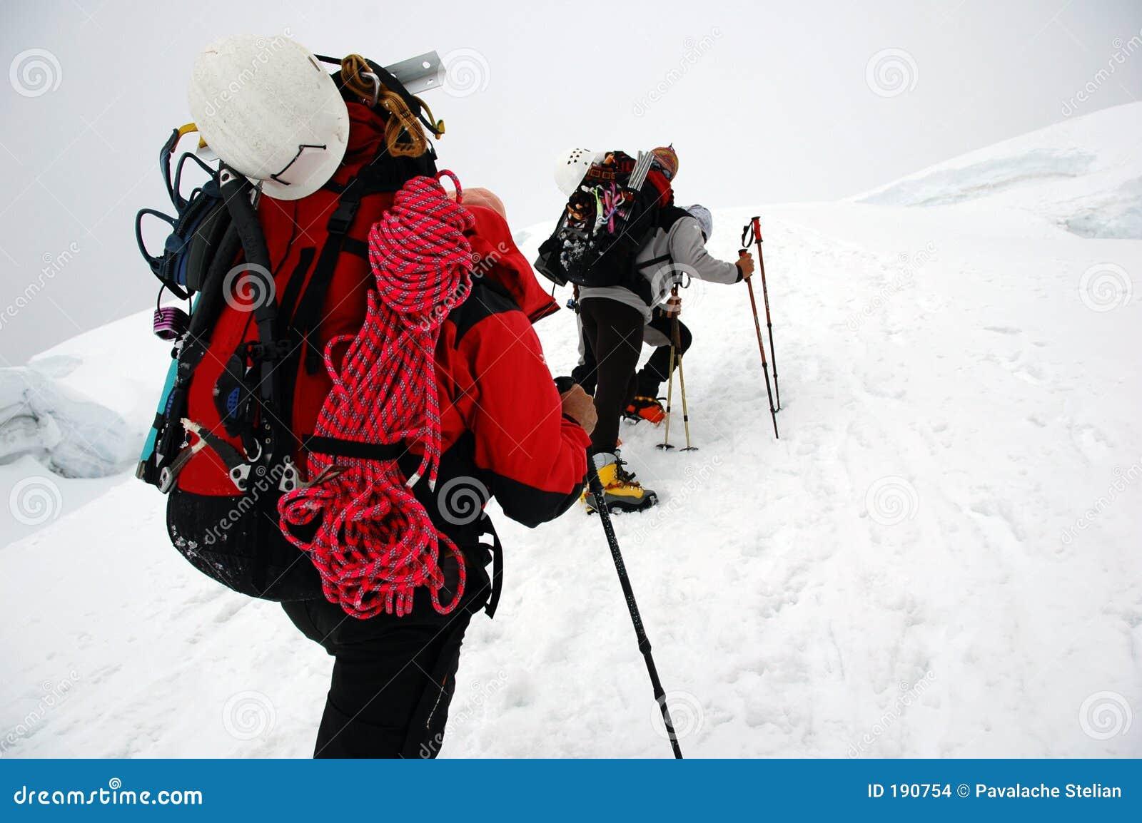 Arrampicandosi sul ghiacciaio di Chipicalqui da accamparsi 2