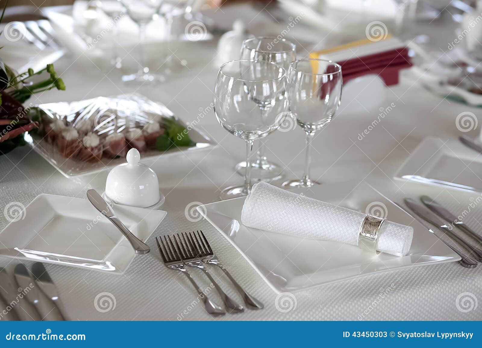 Arrangement de Tableau avant dîner