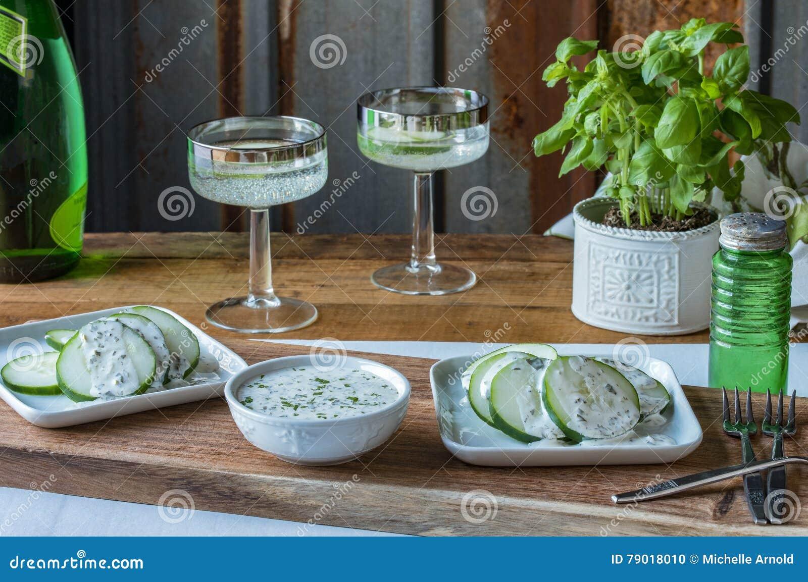 Arrangement de Tableau d apéritif de concombre