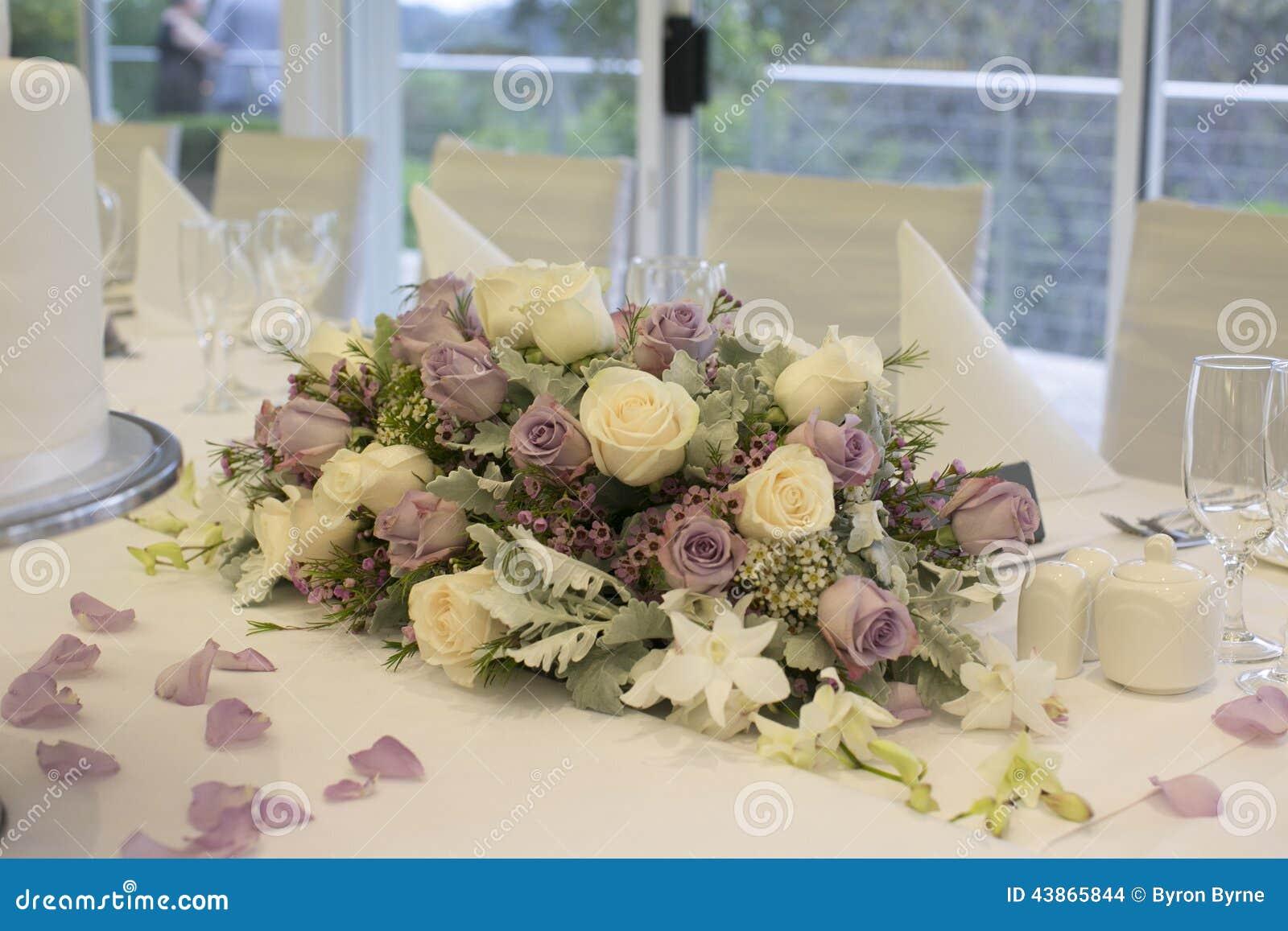 arrangement floral de table cs24 jornalagora. Black Bedroom Furniture Sets. Home Design Ideas