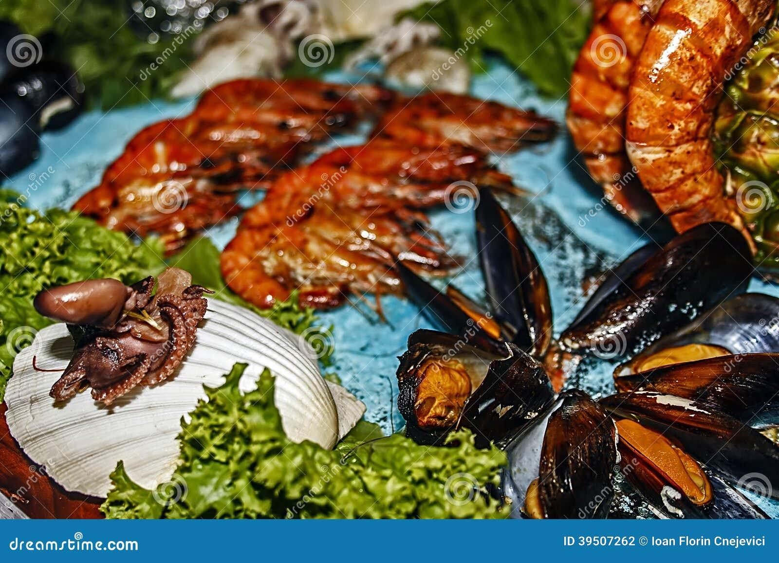 Arrangement of food 45