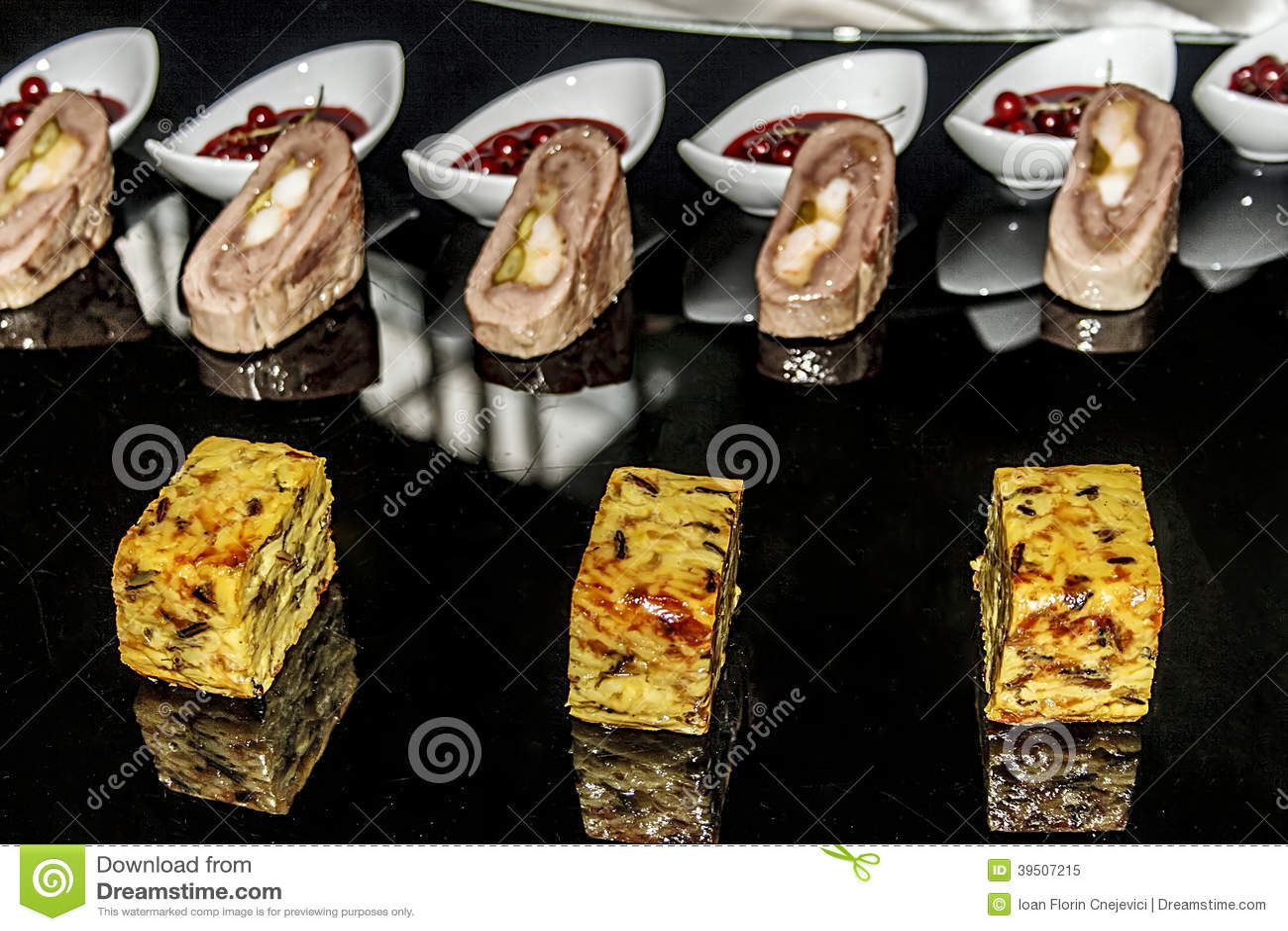 Arrangement of food 18