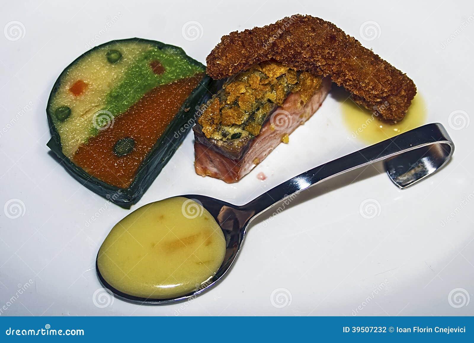 Arrangement of food 29