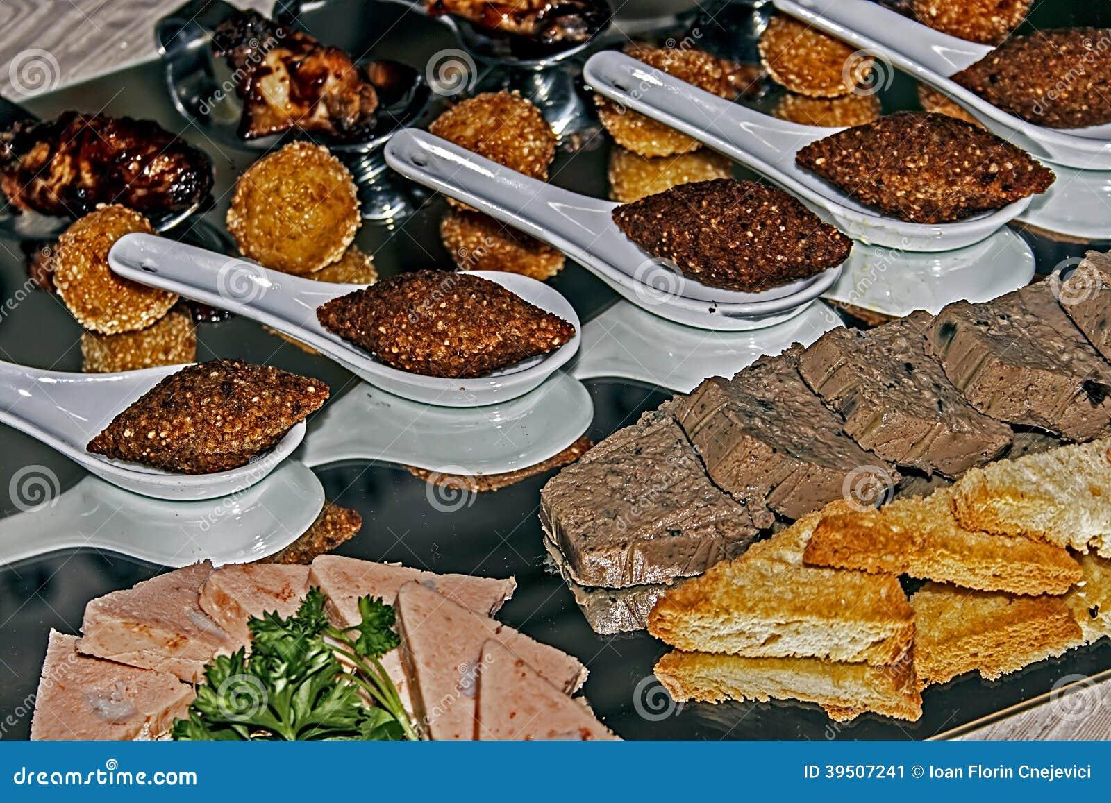 Arrangement of food 40