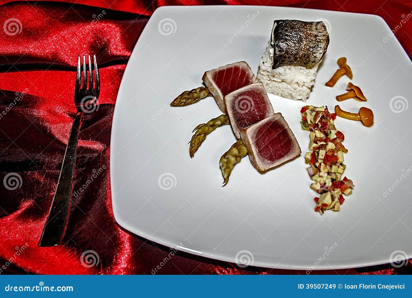 Arrangement of food 4