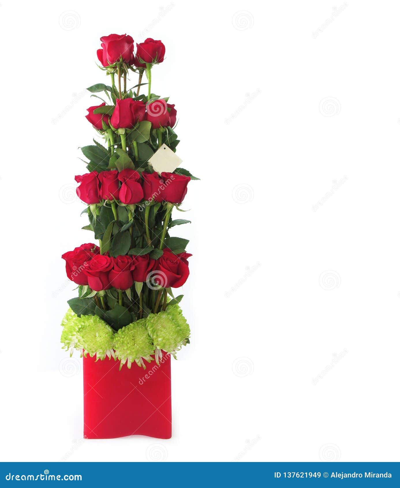 Arreglo Floral Del Regalo Hecho Con Las Rosas Rojas Con Los