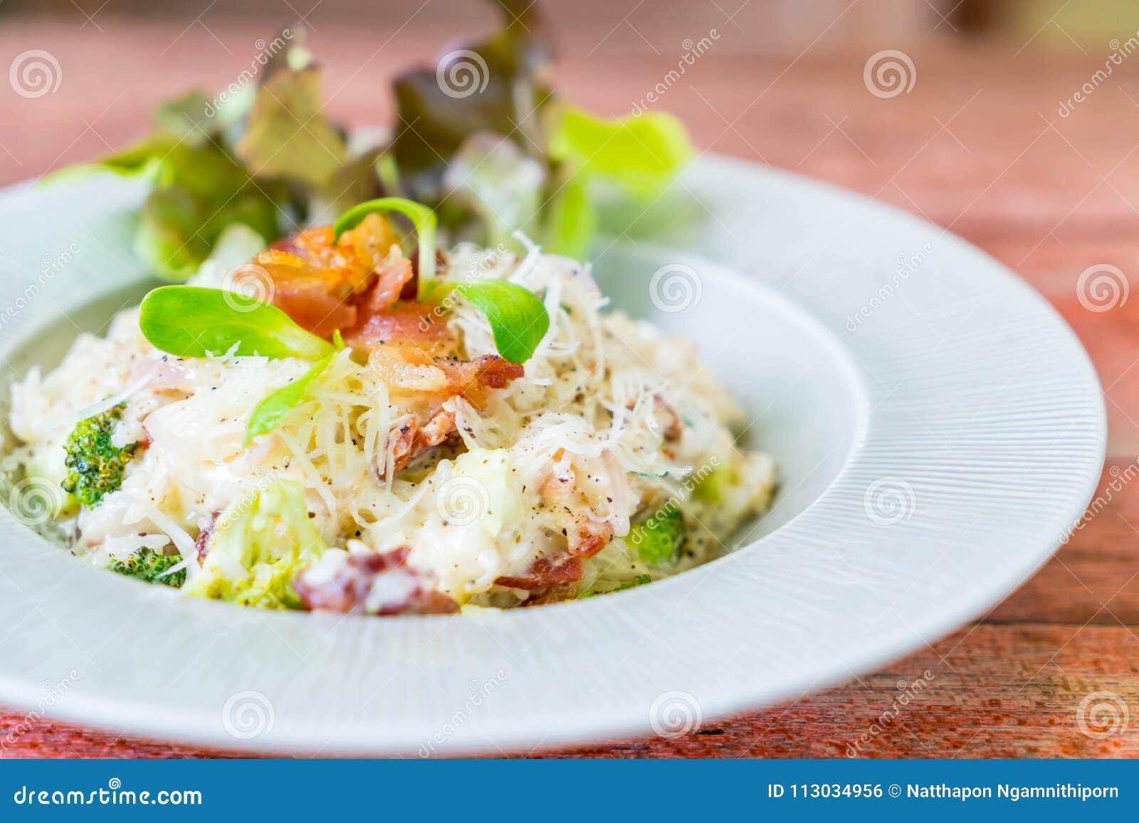 Arroz del risotto con tocino