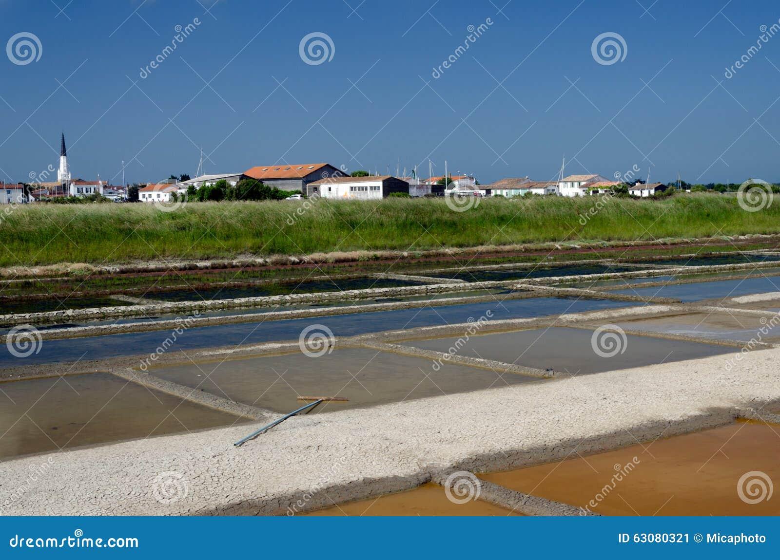 Download ARS-en-Ré - île De Rhé : étangs D'évaporation De Sel Image stock - Image du atlantique, côte: 63080321