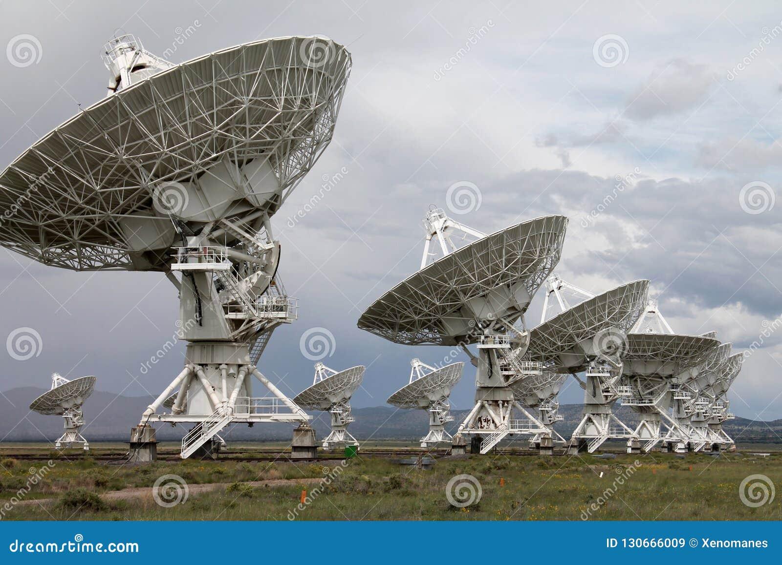 Resultado de imagen de Rádares y radio trelescopios por todo el mundo