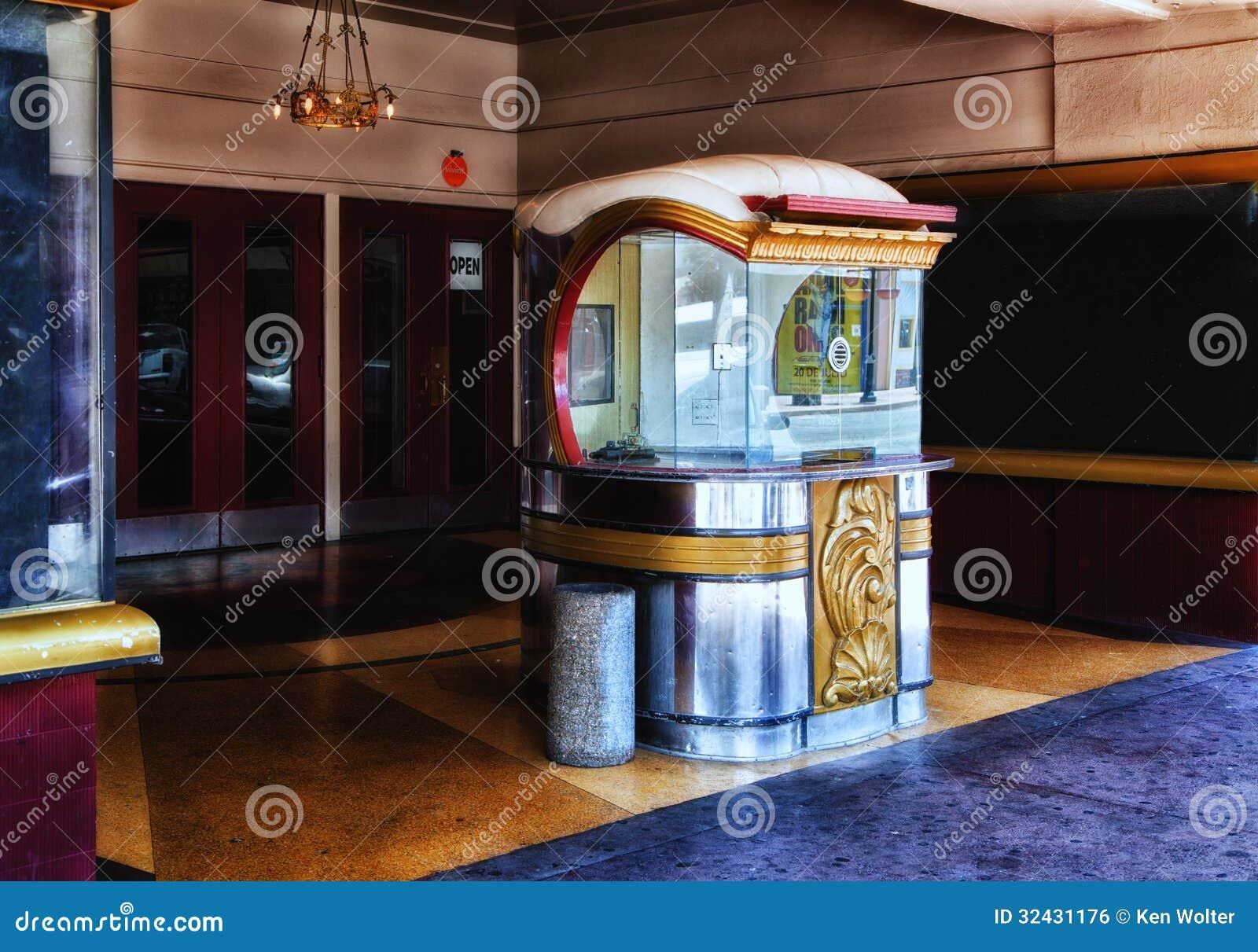 Art deco movie theater entrance redaktionelles foto bild von