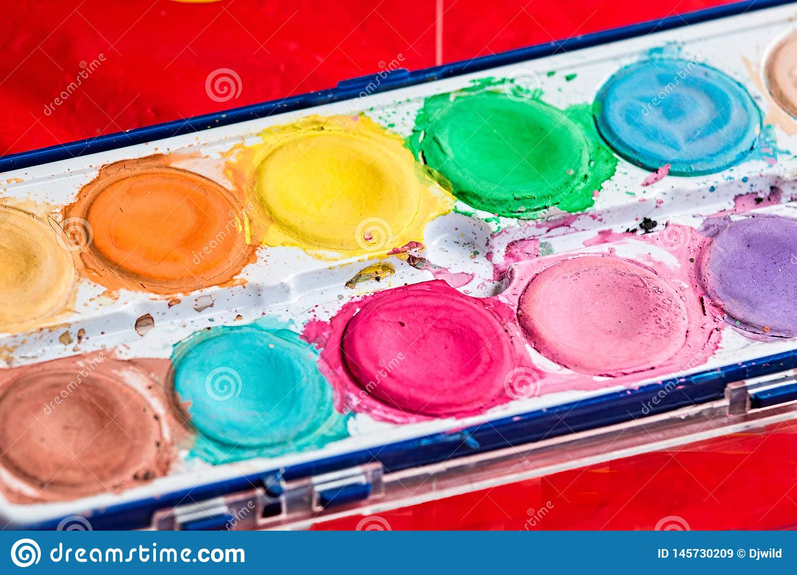 Paint for artistic drawing watercolor is the best paint.
