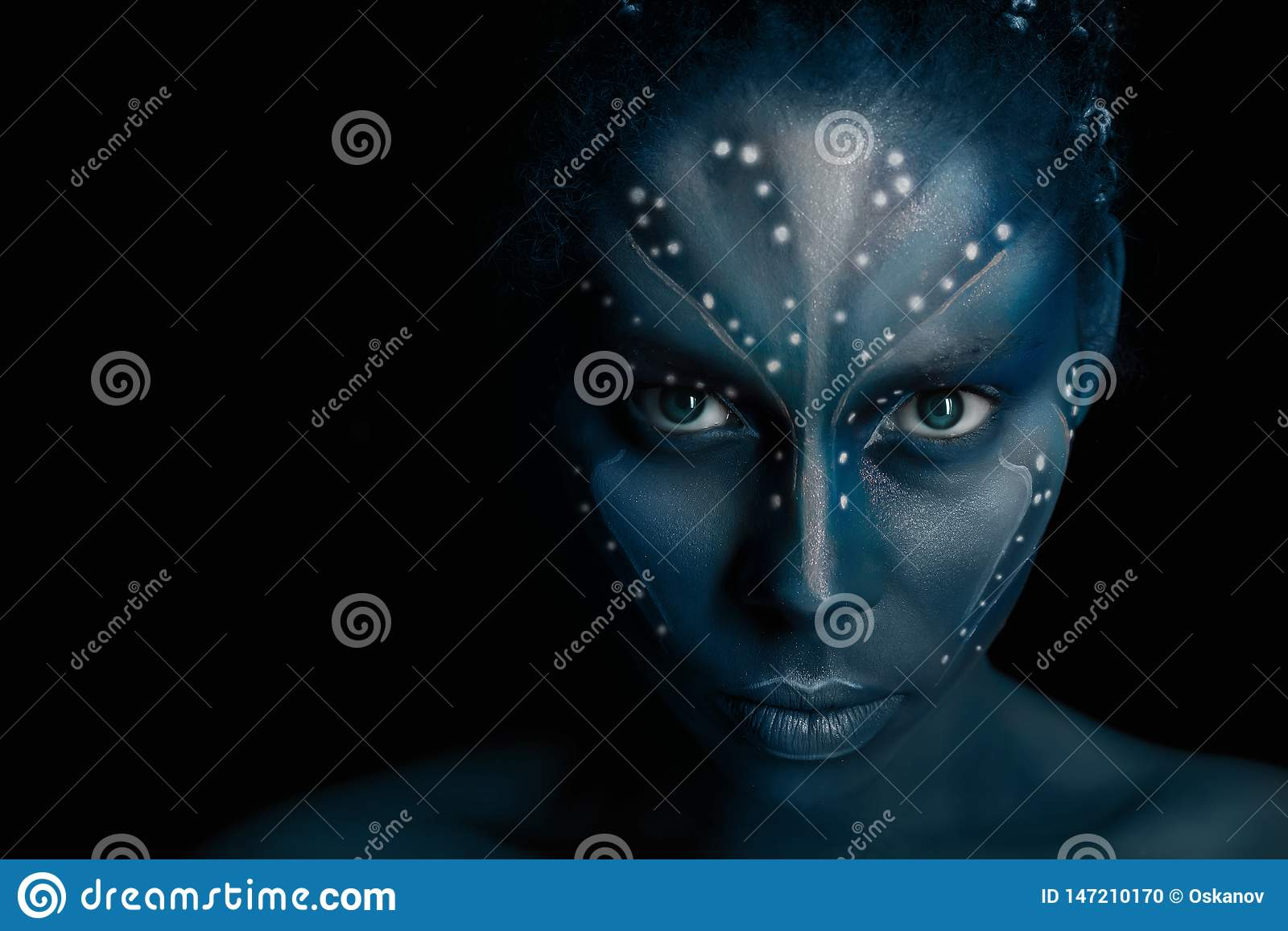 Art photo of Africal woman with tribal ethnic paintings in Avatar style