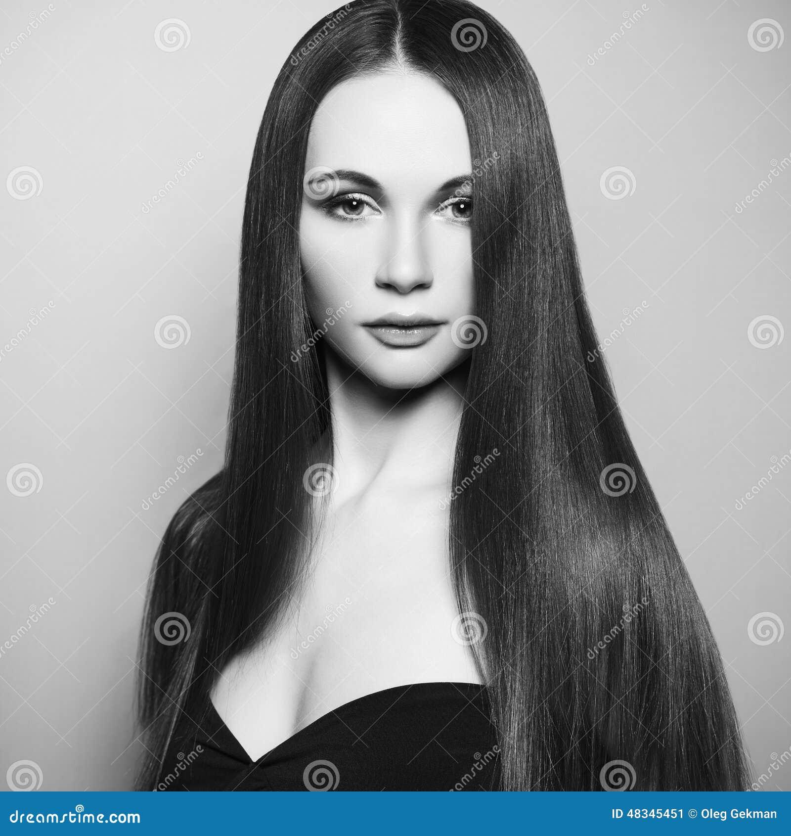 Art und Weisefoto der schönen Frau