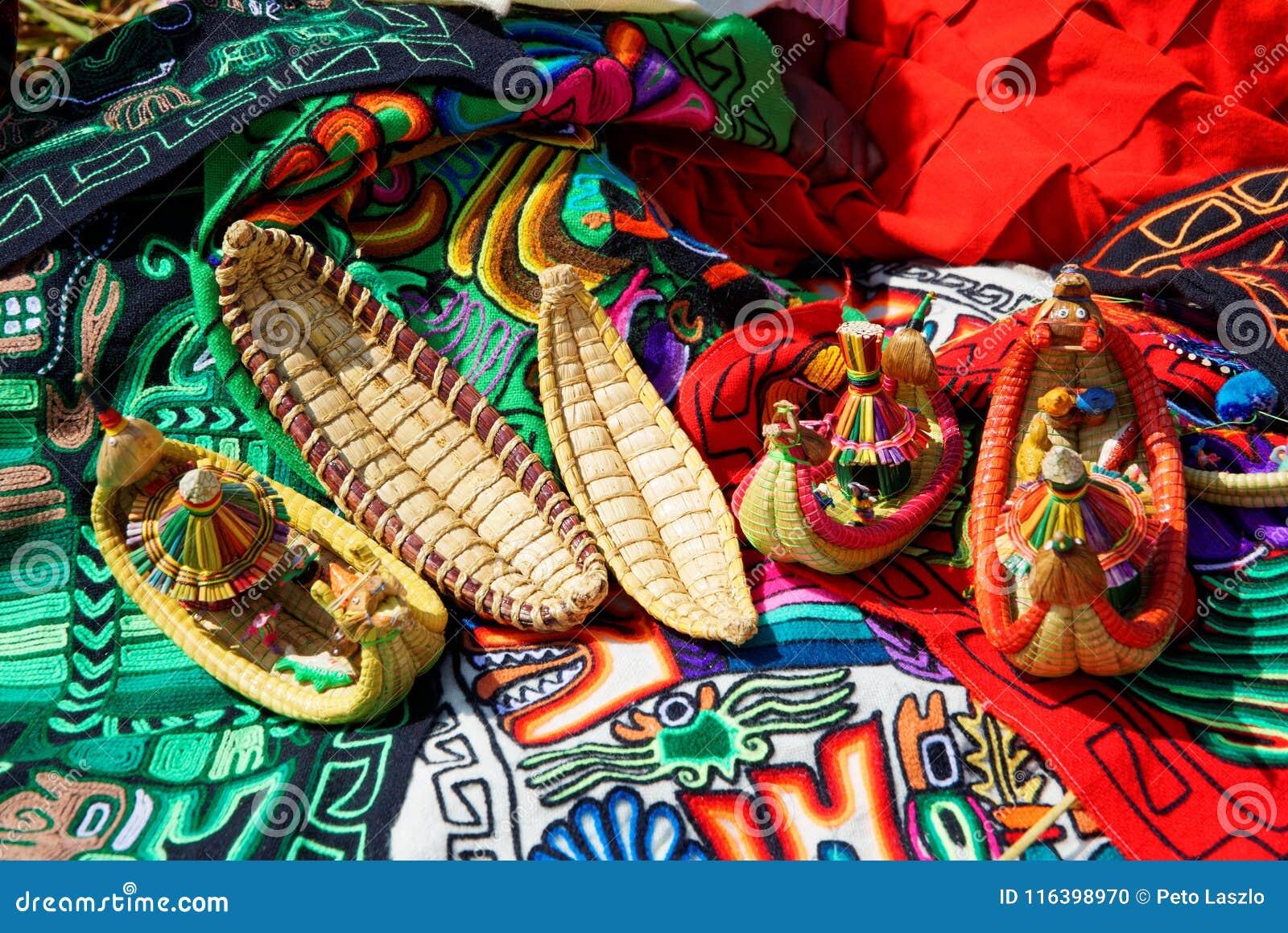 Arte de Lago Titicaca Tipical