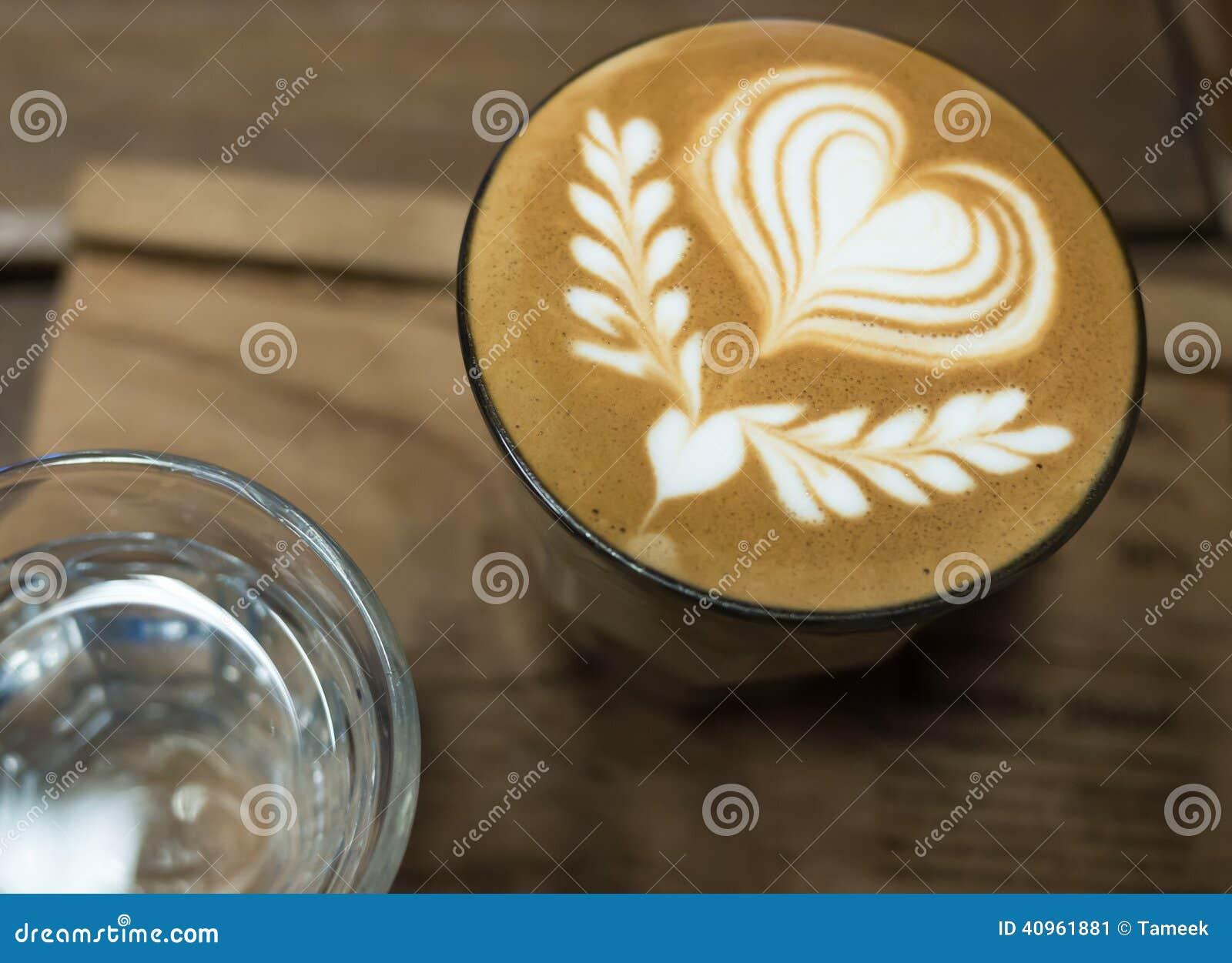 Arte do latte do café