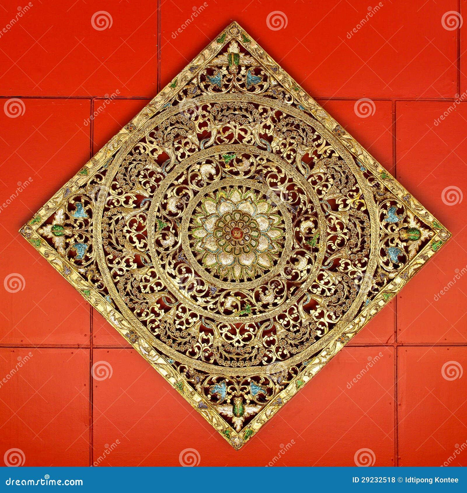 Download Arte Tradicional No Estilo Tailandês No Templo De Tailândia Foto de Stock - Imagem de edifício, fortuna: 29232518
