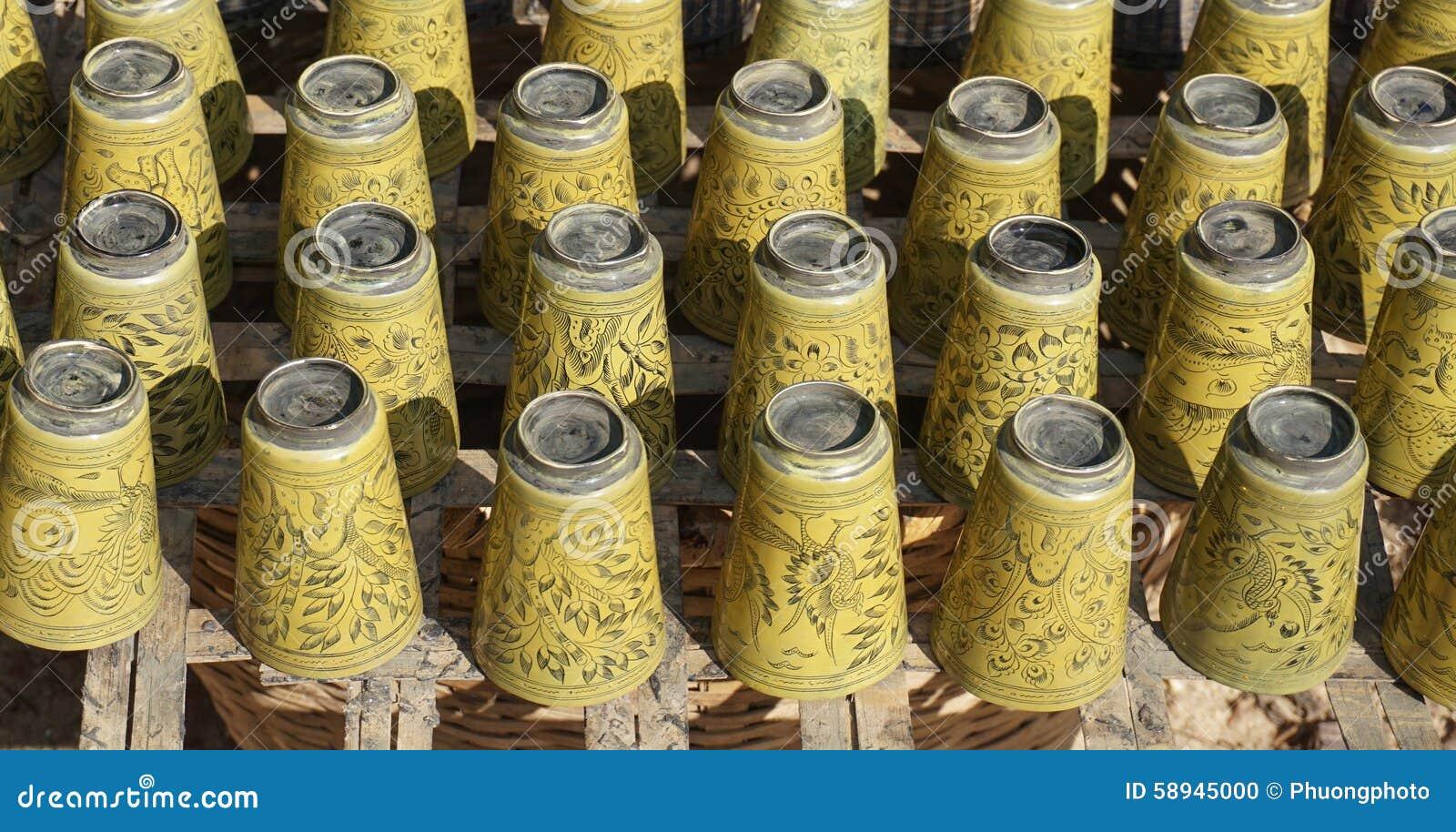 Artesanato Com Cd Velho ~ Artesanato Feito Do Bambu Para A Venda Foto de Stock Imagem 58945000